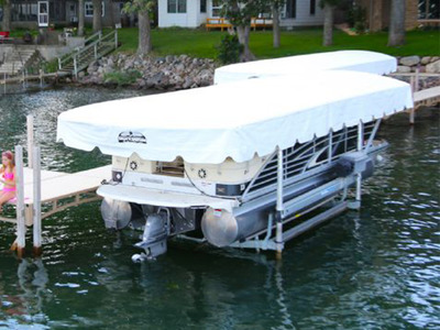 Pontoon-Boat-Lift